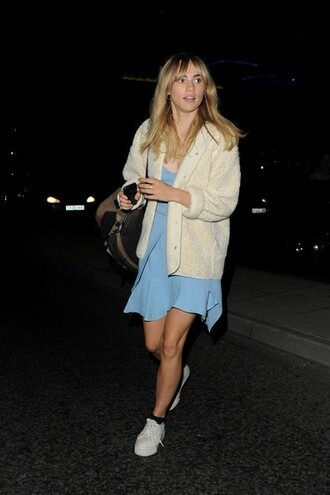 suki waterhouse blue dress bag socks
