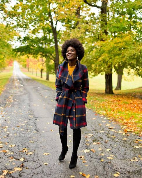 coat tumblr tartan tartan coat plaid plaid coat boots black boots winter outfits