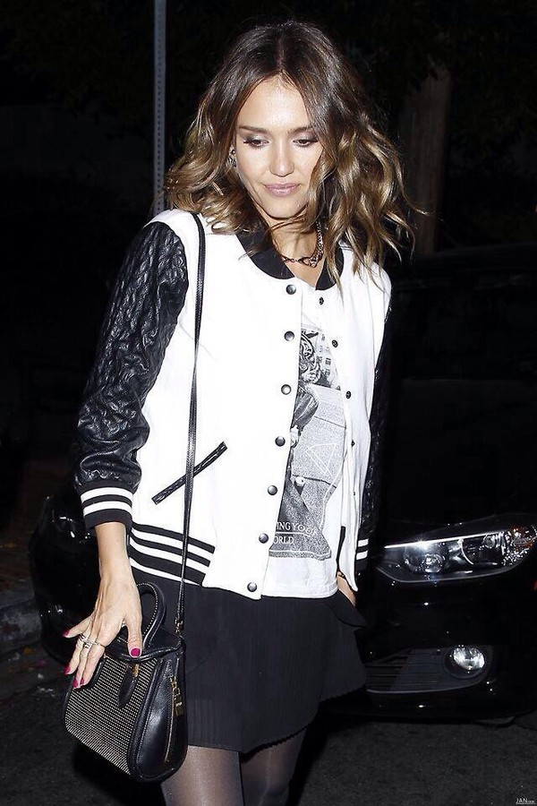 blouse jessica alba black and white bag jewels