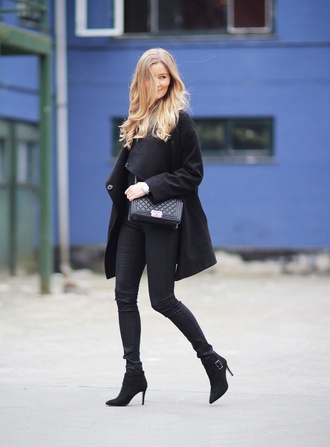 passions for fashion blogger all black everything black coat skinny jeans