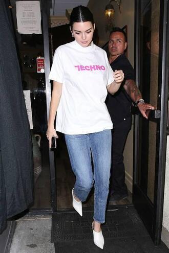 t-shirt top kendall jenner jeans kardashians streetstyle model off-duty
