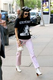pants,t-shirt,hat,kendall jenner,kardashians,model off-duty,streetstyle,spring outfits,top