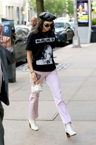 pants t-shirt hat kendall jenner kardashians model off-duty streetstyle spring outfits top