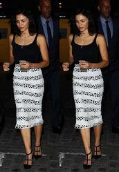 skirt,top,midi skirt,jenna dewan,pumps,summer outfits,pencil skirt,striped skirt,shoes