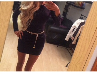 belt chain belt chain gold chain black dress longarmed dress longarm black and gold musthave short dress short court bodycon dress small tight longarms longarmed navy/black and gold fashion belted dress belted belted tunic short dress. it looks layered. kneelenght kneelengthdress dress
