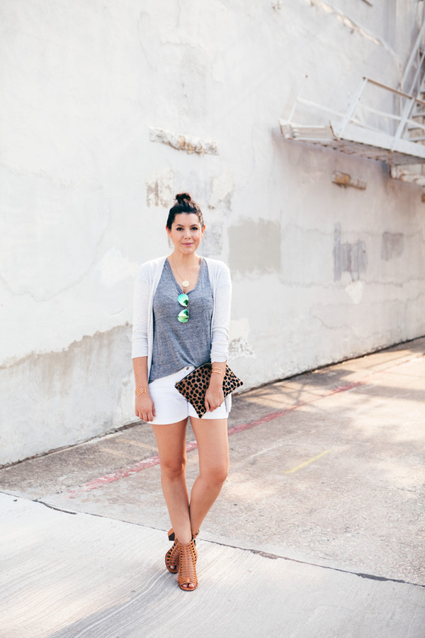 kendi everyday cardigan t-shirt bag sunglasses jewels shoes aviator sunglasses mirrored sunglasses high heels leopard print leopard clutch pouch madewell sandals blogger summer outfits caged sandals