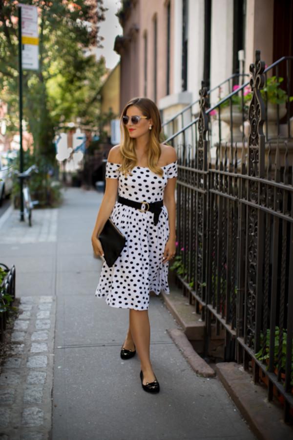 gal meets glam blogger belt bag sunglasses make-up