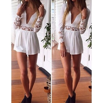 romper dress lace lace dress white white lace white lace romper floral lace deep v dress deep v deep v neck romper white lace playsuit lace jumpsuit summer summer outfits boho boho chic boho fashion vintage long sleeve romper cute women lace romper floral romper long sleeves floral fashion pretty v neck plunge v neck plunge neckline deep plunge beautiful trendy