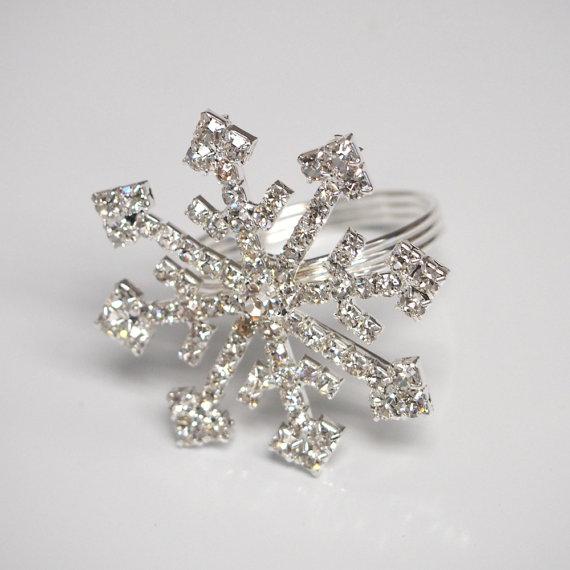 Rhinestone Snowflake Ring Napkin Holder 1pack van PartySpin op Etsy