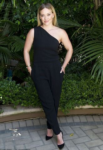 jumpsuit one shoulder all black everything hilary duff pumps