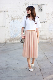 jeans and a teacup,blogger,blouse,skirt,bag,jewels,pleated skirt,midi skirt,white top,flats,shoulder bag,round sunglasses,pink skirt,maxi skirt,grey,grey bag,blush pink