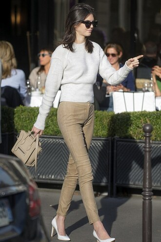 pants fall outfits kendall jenner sweater bag