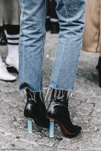 shoes tumblr fashion week 2017 streetstyle boots black boots high heels boots pointed boots denim jeans blue jeans frayed denim frayed jeans cropped jeans