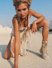 top,boots,instagram,josephine skriver,model off-duty,burning man,skirt