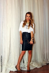 our favourite style,t-shirt,skirt,jewels,shoes,bag,scarf,faux fur,fur scarf