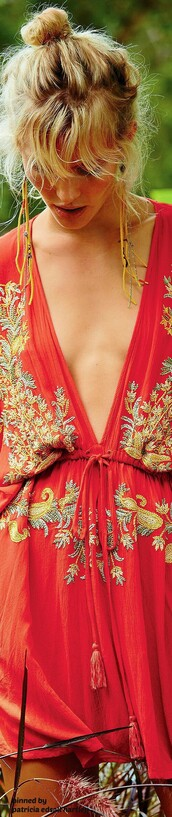 dress,deep v-neck dress,v neck,v neck dress,plunge v neck,cute,chic,cute dress,red dress with detailing,gold designs,red dress,red kimono,house dress