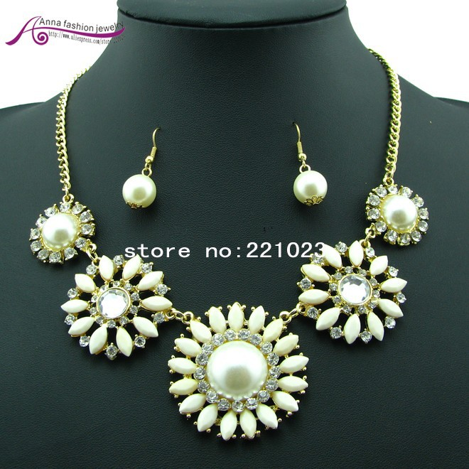2013 new Sunflowers Vintage Sweet Choker Statement Necklace Fashion Jewelry Min order 10$ Free Shipping (can mix order)-in Chain Necklaces from Jewelry on Aliexpress.com