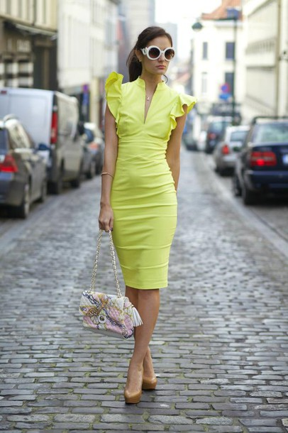 from brussels with love blogger ruffle bodycon dress yellow dress nude high heels dress shoes sunglasses bag jewels