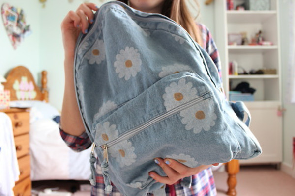 bag light blue backpack with  flowersrs jeans daisy bookbag back to school backpack daisy denim backpack backpack cute flowers blue
