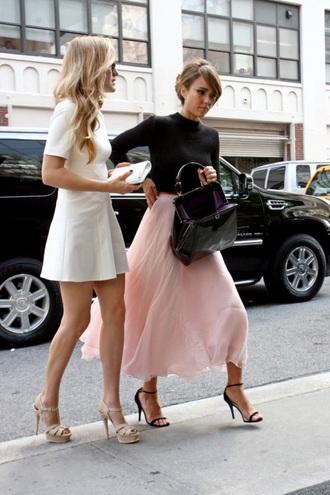 white dress jessica alba bag
