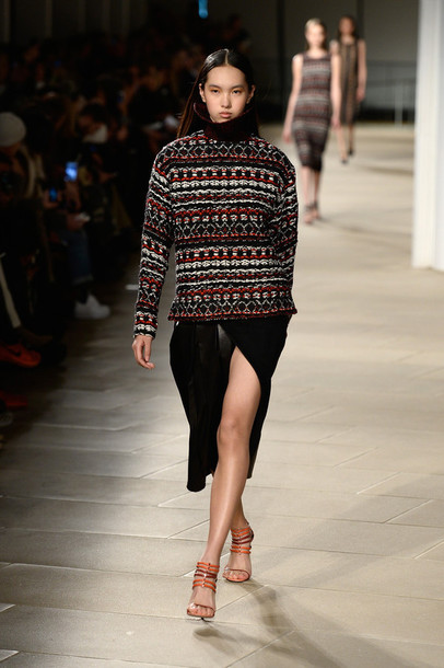 sweater skirt sandals fashion fashion week 2015