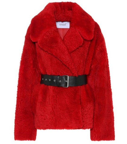 Common Leisure Love Short shearling jacket in red