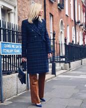 coat,checkered,wide-leg pants,pumps,suede pumps,handbag,turtleneck