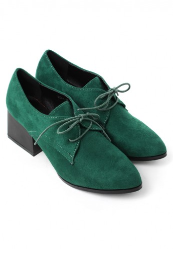 Faux suede pointed shoes in green