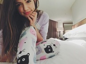 pajamas,cat pj,brunette,black hair,bar,bae,babe,black maxi,cute,bethany mota,bae or nah,bae or nahh,supreme,aeropostale,aeropostales,aeropostale  bethanymota  springcollection,youtuber,macbarbie07