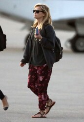 pants,reese witherspoon,sandals,shoes,leggings,sweater,sunglasses,celebrity