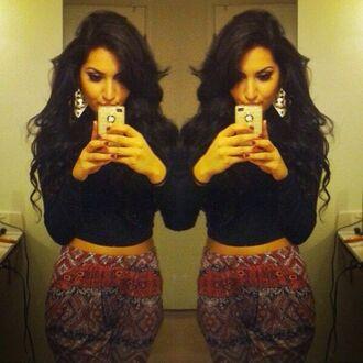 red pants loose pants harem pants red harem pants aztec harem pants tapered pants aztec aztec pattern aztec pants patterned pants boho pants red boho boho pattern loose fit comfy outfits comfortable outfit boho chic orange pants harem pants similar to this harem sweatpants cool pants