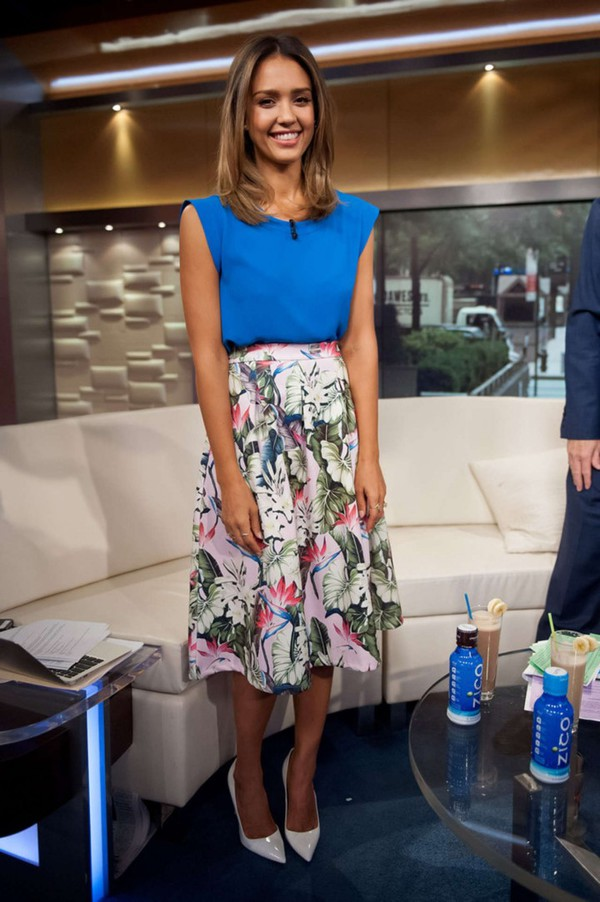 skirt jessica alba shoes top summer outfits floral high heels cute