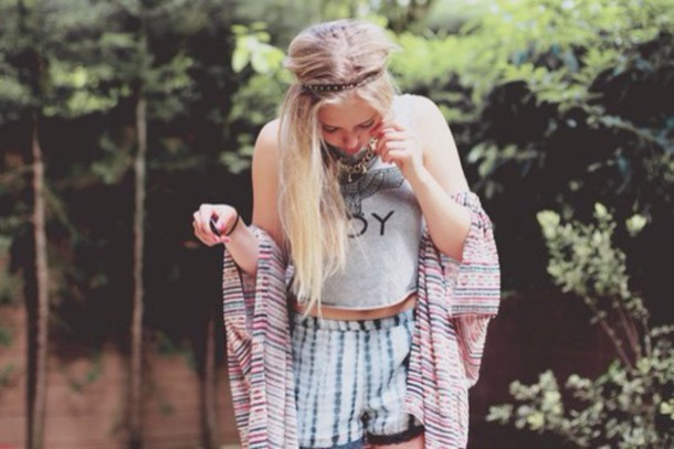 blouse tank top shorts hair accessory