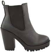 shoes,ankle boots,black,leather,leather shoes,boots,heels,chelsea boots