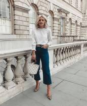 jeans,cropped jeans,flare jeans,pumps,leopard print,handbag,white blouse,belt