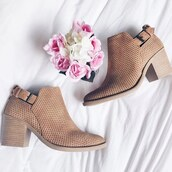 shoes,buckled booties,pointed toe booties,stone,qupid,black booties,fashion toast,trending dress