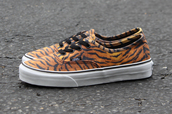 shoes,vans,tiger,autentic,animal,zoo