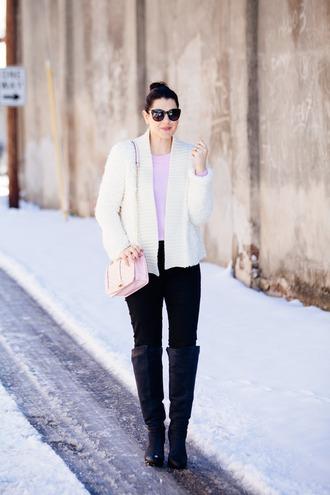 kendi everyday blogger jacket sweater jeans bag sunglasses make-up jewels