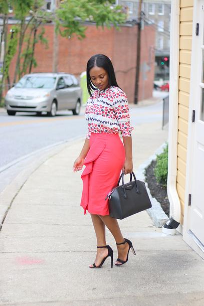 skirt midi skirt ruffle skirt sandals printed blouse blogger blogger style hold-all