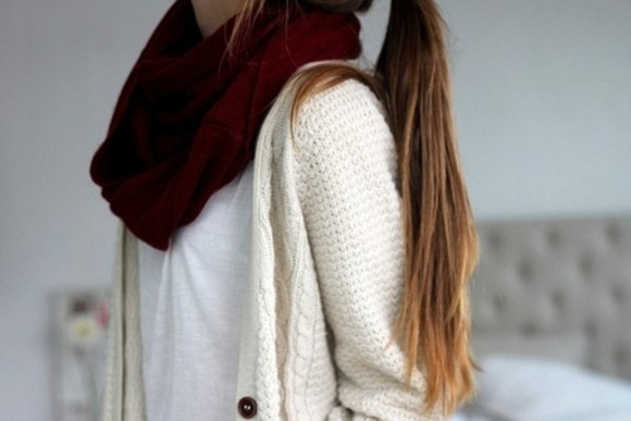 sweater cardigan scarf outfit gilet t-shirt pull white t-shirt infinity scarf burgundy cream cardigan jacket maroon whit shirt creamy jacket whithe, cotton, sweather, amazing