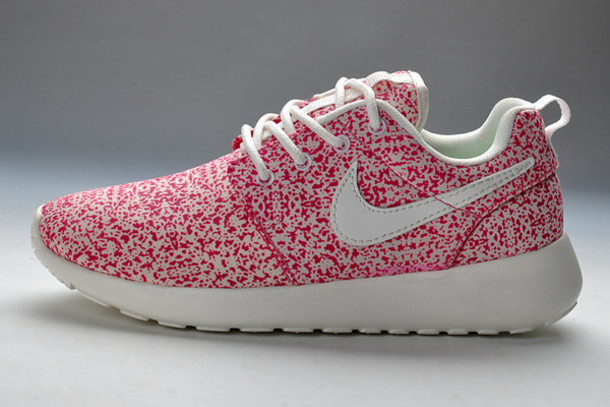 nike roshe run rose pale,Nike Roshe Run Floral 2015 Rose