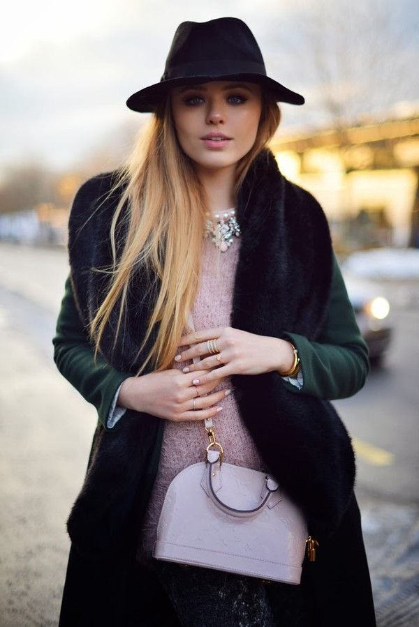 kayture coat t-shirt pants bag jewels hat