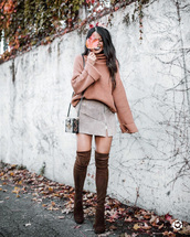 sweater,tumblr,knit,knitted sweater,turtleneck,turtleneck sweater,skirt,mini skirt,boots,brown boots,over the knee boots