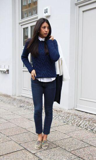 sweater white shirt navy blue sweater skinny jeans green sneakers black bag blogger