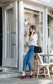 shoes,tumblr,mules,red heels,red shoes,denim,jeans,blue jeans,top,white t-shirt,t-shirt,bag