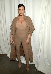 pants,top,leggings,coat,sandals,fashion week,kim kardashian,camel,camel coat,all nude everything,maternity
