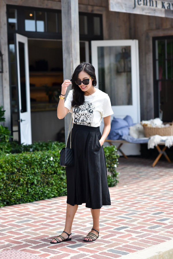 t-shirt skirt black skirt tumblr white t-shirt midi skirt sandals flat sandals black sandals sunglasses shoes