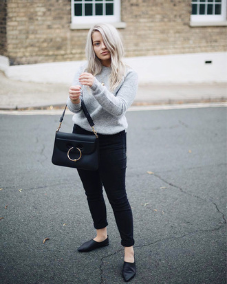 sweater tumblr grey sweater denim jeans blue jeans black jeans shoes black shoes bag black bag