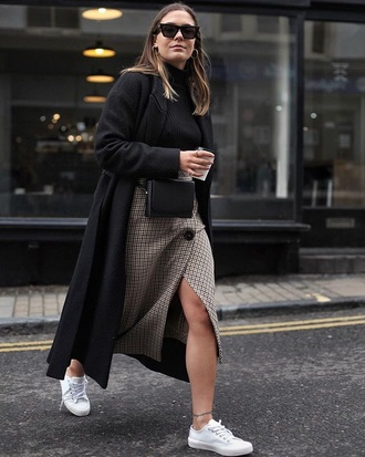 skirt grey skirt top black top coat black black coat button up skirt button up midi skirt slit skirt sneakers white sneakers
