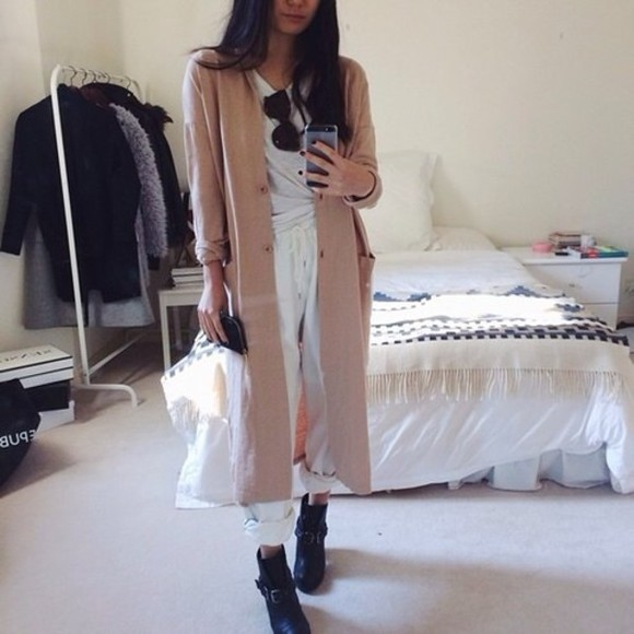 chic tumblr outfit simple relaxed beige coat long maxi thick winter coat beige long